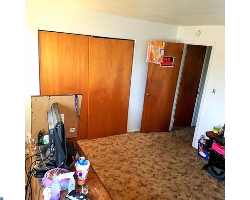 Row/Townhouse, Colonial,EndUnit/Row - NORRISTOWN, PA (photo 5)