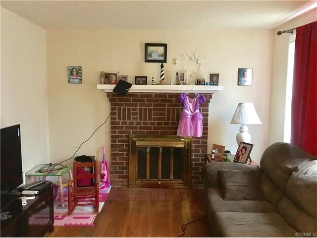 Cape, Single Family - Colonial Heights, VA (photo 4)
