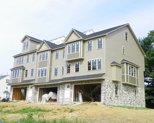 Row/Townhouse, Traditional - WEST CONSHOHOCKEN, PA (photo 2)