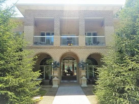 Single Family Residence, Contemporary - Amherst, VA (photo 3)