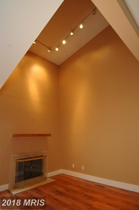Contemporary, Attach/Row Hse - BALTIMORE, MD (photo 3)