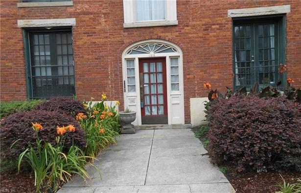 Apartment, Traditional, Single Family - Norfolk, VA (photo 1)