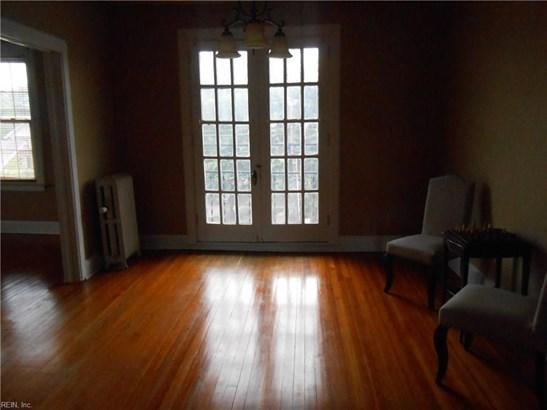 Apartment, Traditional, Single Family - Norfolk, VA (photo 2)