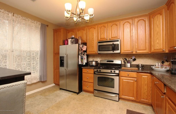 Lower Level, Condo - Manalapan, NJ (photo 4)