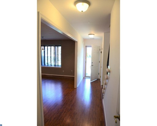 Traditional,EndUnit/Row, Row/Townhouse/Cluster - EXTON, PA (photo 3)