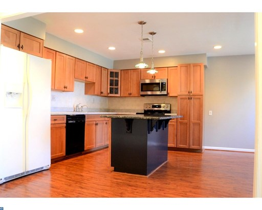 Traditional,EndUnit/Row, Row/Townhouse/Cluster - EXTON, PA (photo 4)