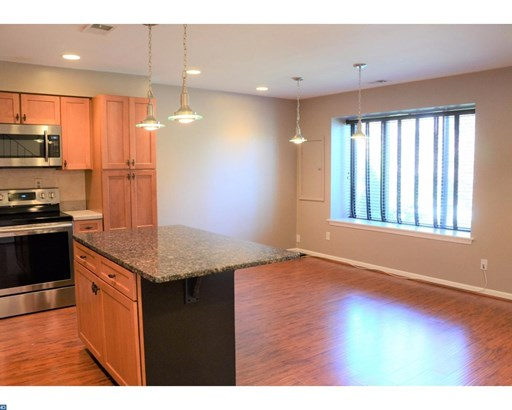 Traditional,EndUnit/Row, Row/Townhouse/Cluster - EXTON, PA (photo 5)