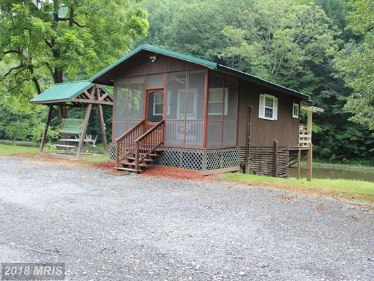 Cabin, Detached - RIDGELEY, WV
