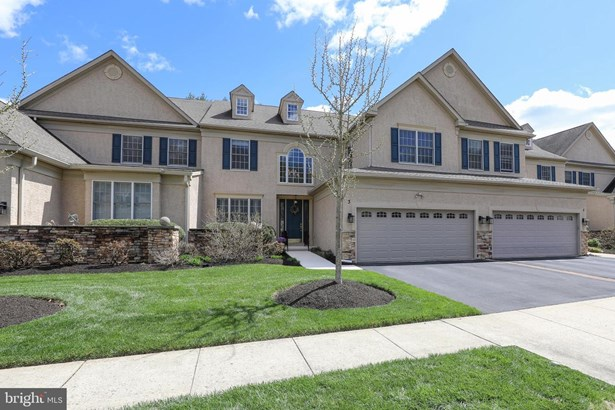 Townhouse, End of Row/Townhouse - DOYLESTOWN, PA