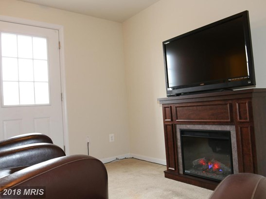 Townhouse, Colonial - RANSON, WV (photo 4)