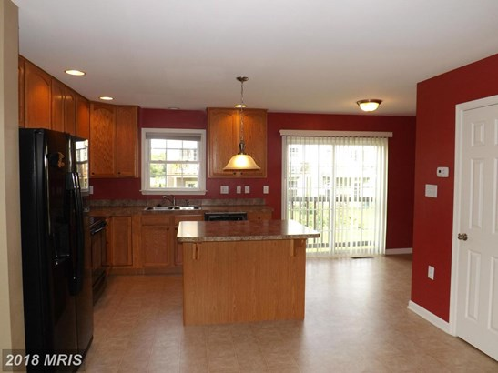 Townhouse, Colonial - MARTINSBURG, WV (photo 3)
