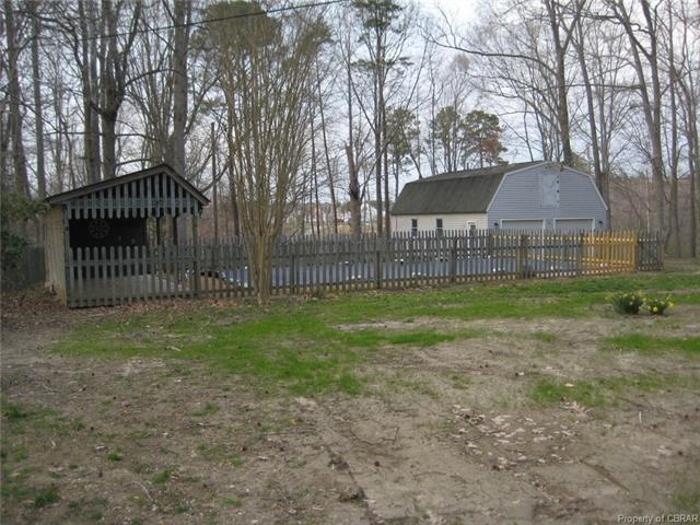 Dutch Colonial, Single Family - Hayes, VA (photo 4)