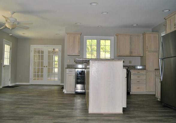 Single Family Home - Fruitland, MD (photo 4)