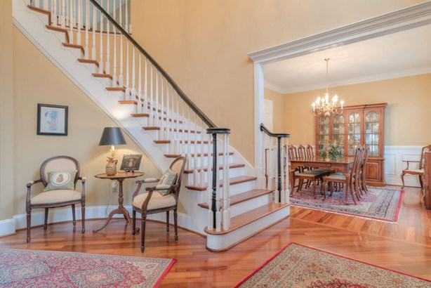 Residential, Colonial - Radford, VA (photo 4)