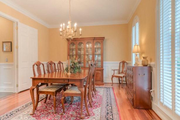 Residential, Colonial - Radford, VA (photo 5)
