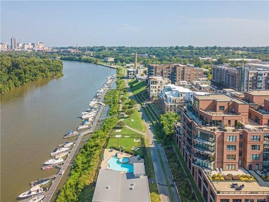 Condo, Contemporary/Modern, Mid Rise - Richmond, VA