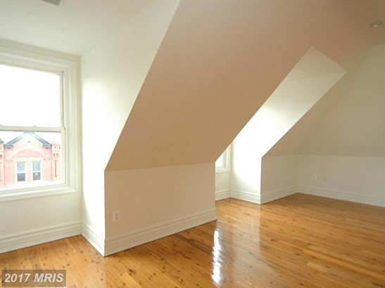Mid-Rise 5-8 Floors, Contemporary - BALTIMORE, MD (photo 5)