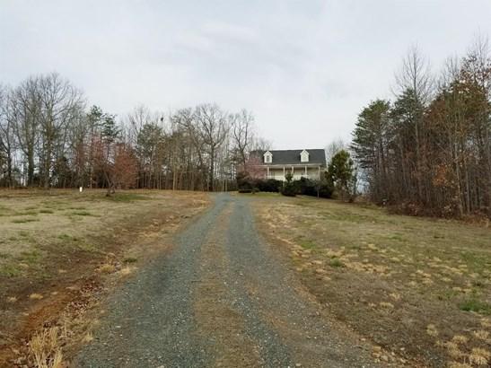 Cape Cod, Single Family Residence - Concord, VA (photo 4)