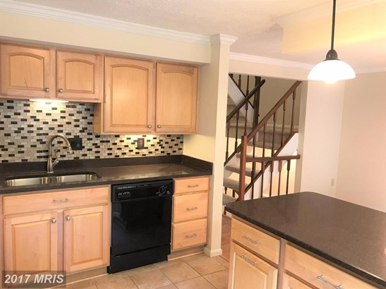 Townhouse, Traditional - GAITHERSBURG, MD (photo 3)