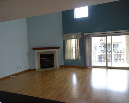 Row/Townhouse/Cluster, Contemporary - VOORHEES TWP, NJ (photo 4)
