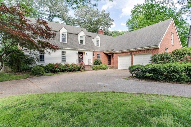 Colonial, Transitional, Single Family - Virginia Beach, VA (photo 1)