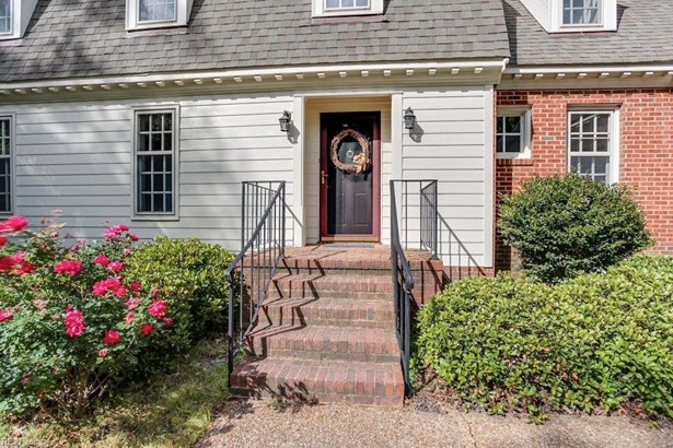 Colonial, Transitional, Single Family - Virginia Beach, VA (photo 2)