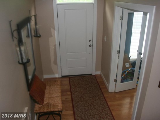 Contemporary, Attach/Row Hse - HYATTSVILLE, MD (photo 2)