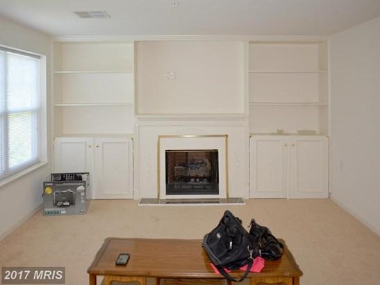 Mid-Rise 5-8 Floors, Craftsman - FORT WASHINGTON, MD (photo 3)