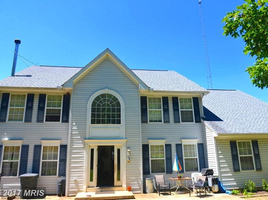 Colonial, Detached - HEDGESVILLE, WV (photo 1)