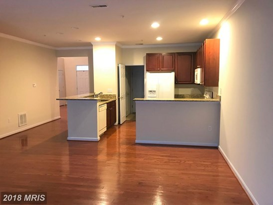 Townhouse, Contemporary - DOWELL, MD (photo 4)