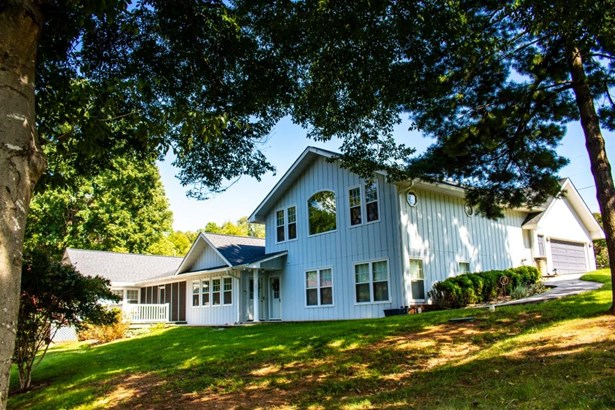 Residential, Contemporary - Wirtz, VA (photo 2)