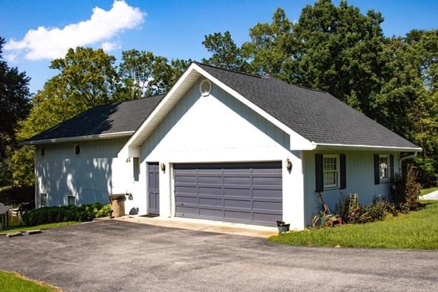 Residential, Contemporary - Wirtz, VA (photo 3)