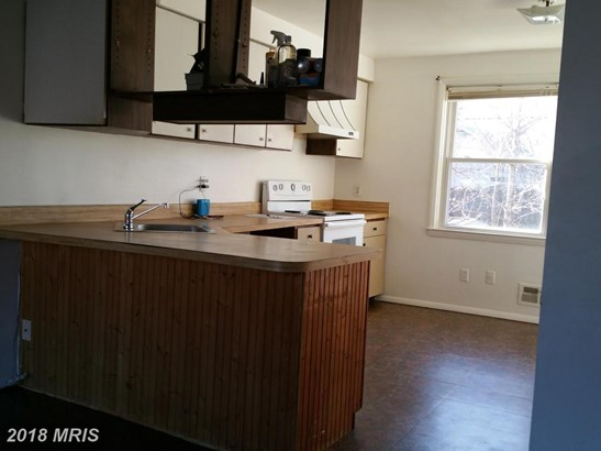 Colonial, Attach/Row Hse - ESSEX, MD (photo 4)