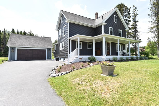 Single Family Residence, Colonial - Fort Kent, ME