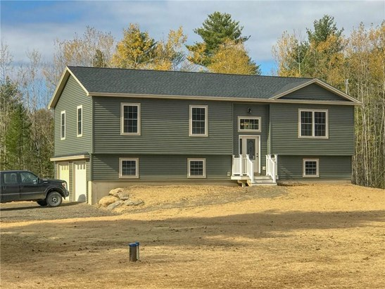 Raised Ranch, Single Family Residence - Hermon, ME