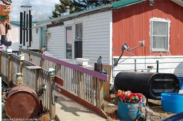 Mobile Home - Dover Foxcroft, ME (photo 3)