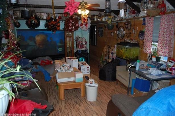 Mobile Home - Dover Foxcroft, ME (photo 5)