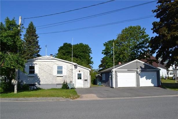 Single Family Residence, Ranch - Winter Harbor, ME