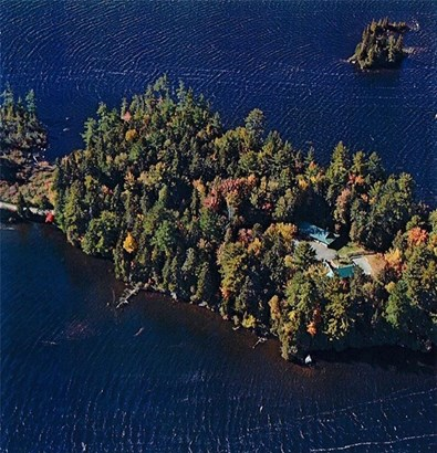 Single Family Residence, Cape,Chalet - T4 R9 WELS, ME