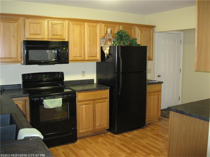 Condominium - Pittsfield, ME (photo 2)