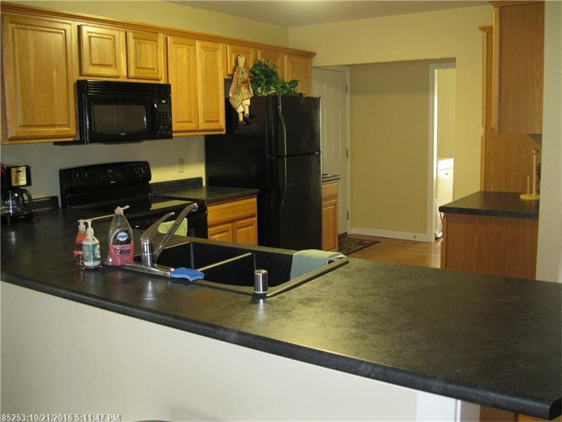 Condominium - Pittsfield, ME (photo 5)