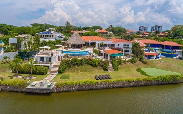 Punta Barco Resort , Punta Barco - PAN (photo 1)