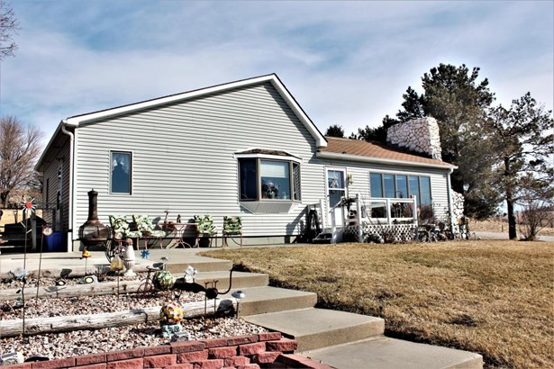 Single Family Residence, Ranch - WOODBINE, IA (photo 1)