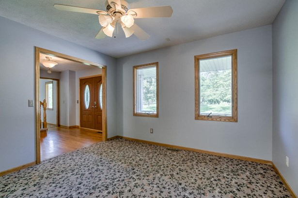 Single Family Residence, 2 Story - COUNCIL BLUFFS, IA (photo 4)