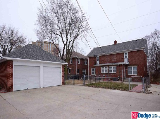 Attached Housing, 2 Story - Omaha, NE (photo 4)