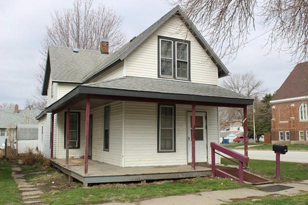 1.5 Story, Single Family Residence - MISSOURI VALLEY, IA