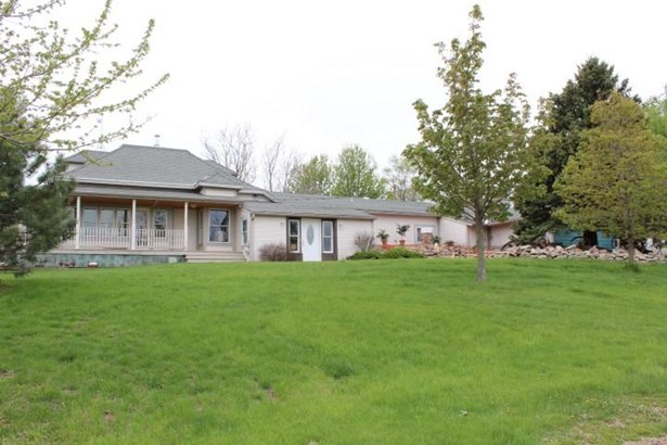 Single Family Residence, 2 Story - LOGAN, IA (photo 1)