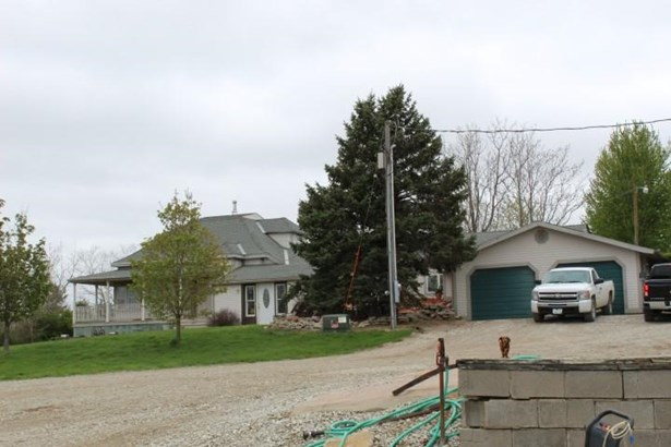 Single Family Residence, 2 Story - LOGAN, IA (photo 4)