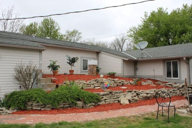 Single Family Residence, 2 Story - LOGAN, IA (photo 5)