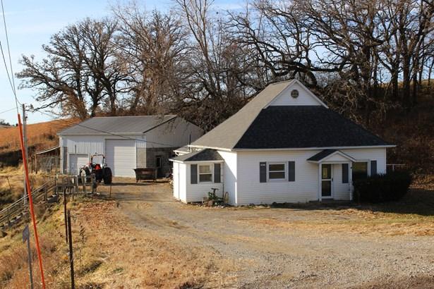 Single Family Residence, Ranch - WOODBINE, IA